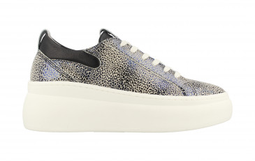 74324 | Women Low Cut Sneaker