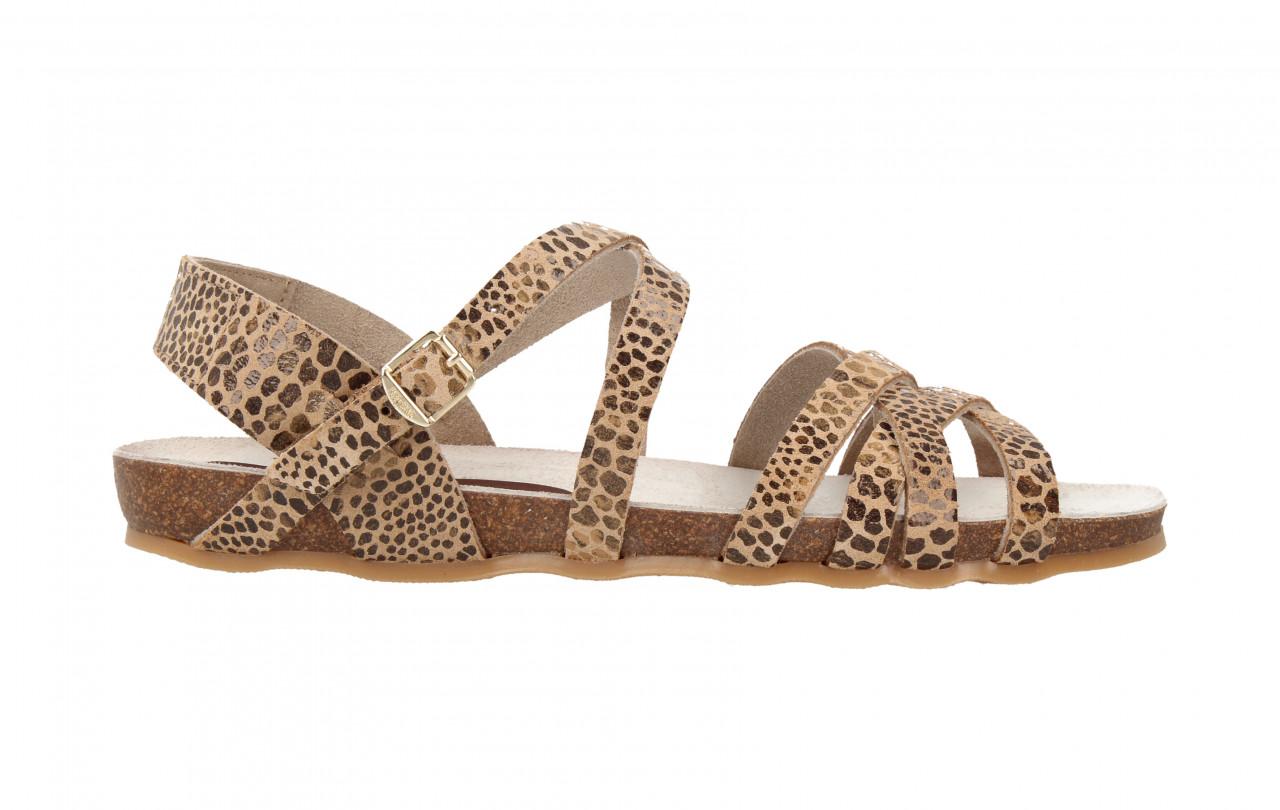 79228 | Women Flat Sandal