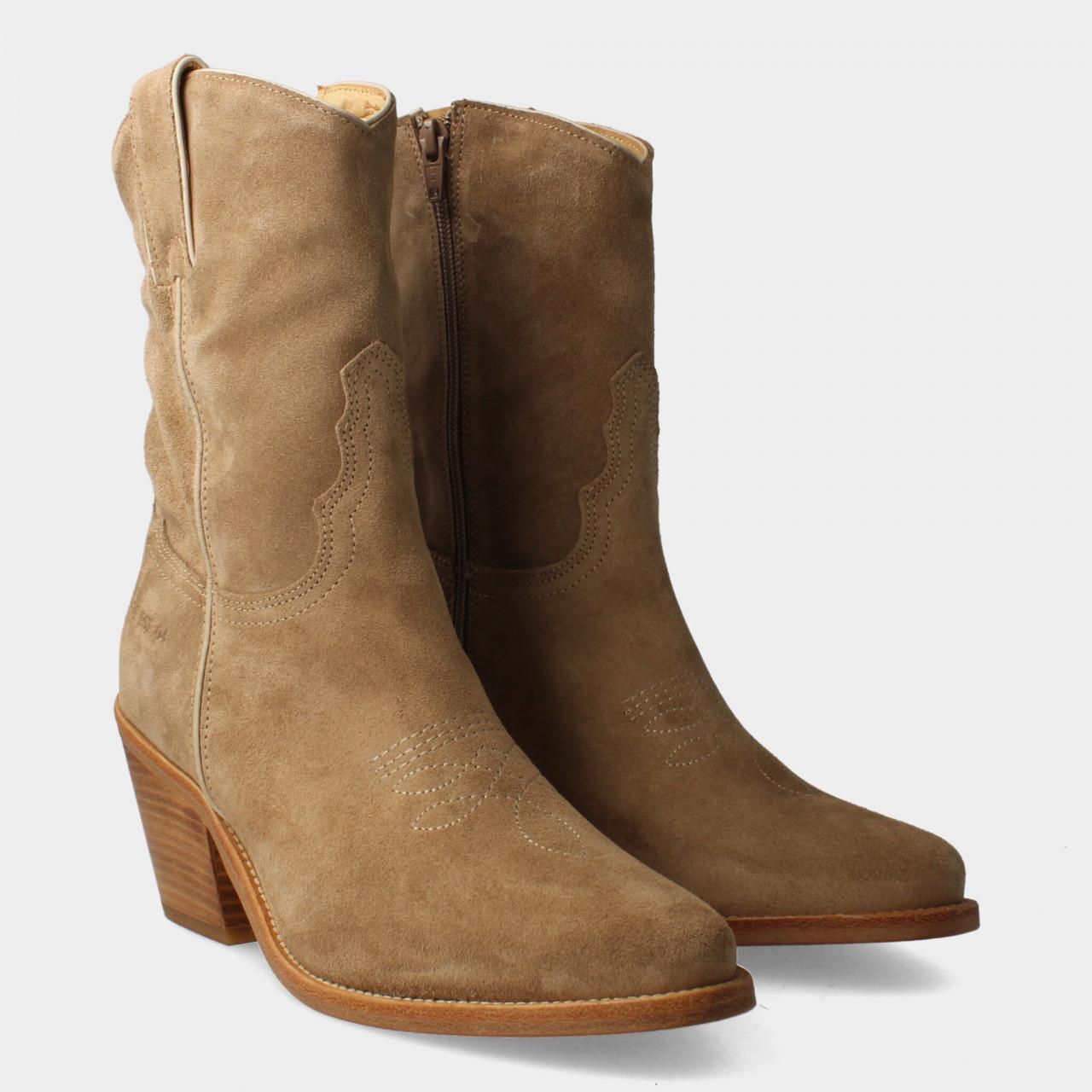 77090   Women Western Low Boot