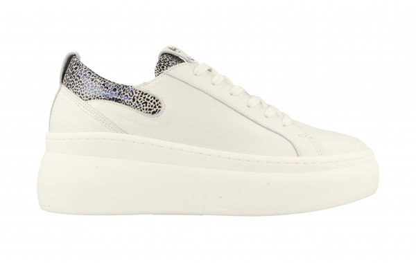 74330 | Women Low Cut Sneaker