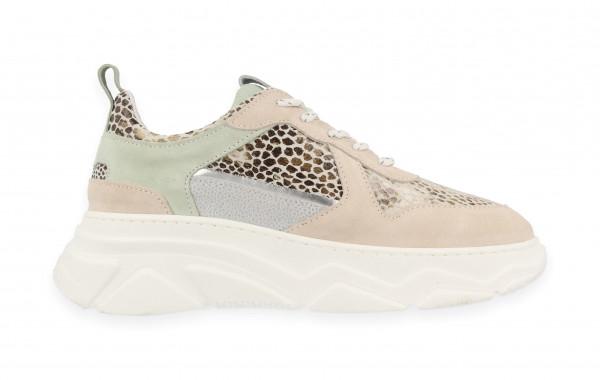 77064   Women Low Cut Sneaker