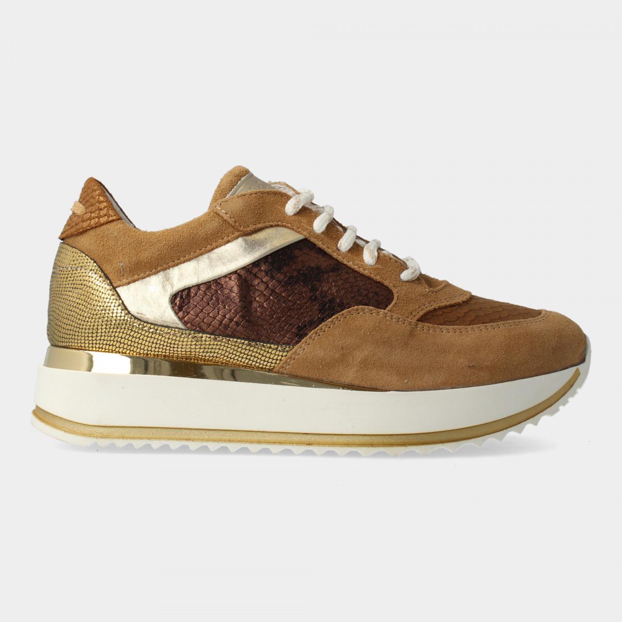 76758 | Women Low Cut Sneaker